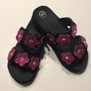 🎁Little girls flip flops, size 12, sequin flowers